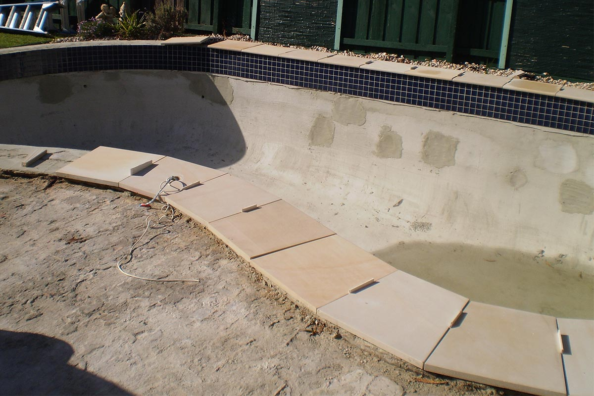 InPools-Melbourne-Pool-Spa-Coping-Edging-Tiling-1
